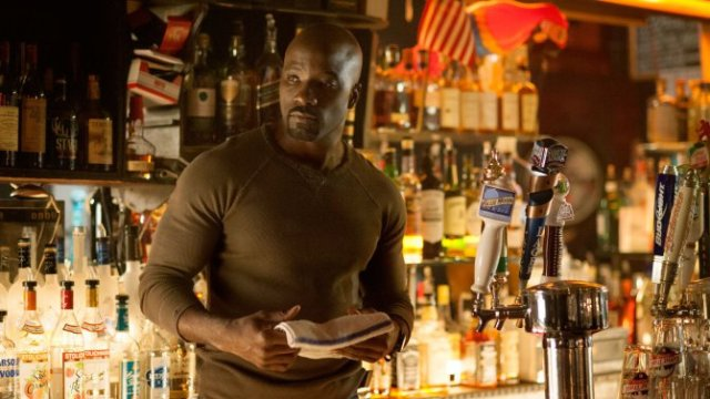 jessica-jones-mike-colter-luke-cage
